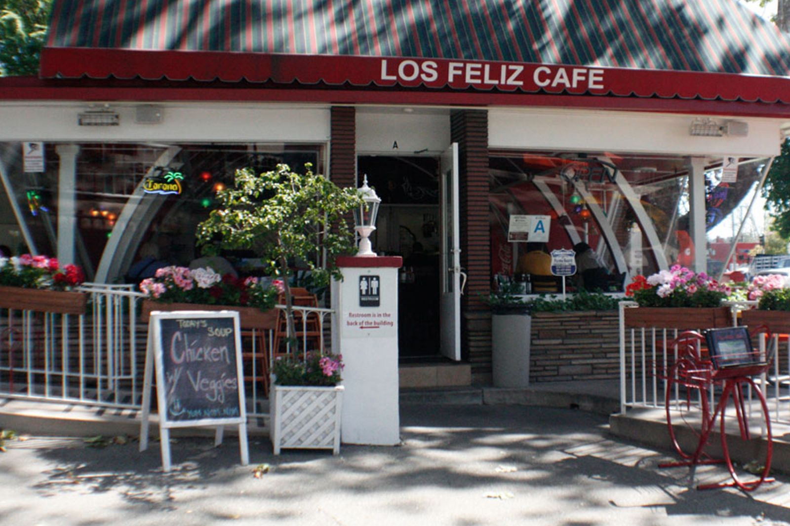 Los Feliz Cafe at Los Feliz 3-Par Golf Course